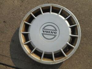 1 Factory Volvo 240 Hubcap Wheel Cover Hub Cap 1989 1990 1991 1992 1993 3540176