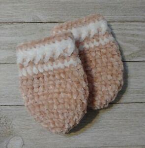 crochet Baby mittens pink white velvet infant girl 0/6 month knit handmade