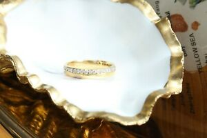 18ct yellow gold split polished and round brilliant diamond channel ring 3.4g