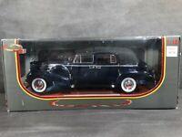 Signature Models 1938 Cadillac V-16 Fleetwood 1:18 Scale Diecast Model Blue Car
