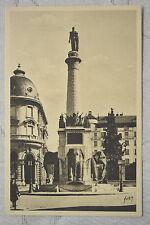 """CPA """" CHAMBERY - Fontaine des Eléphants et Statue du Général Boigne"""