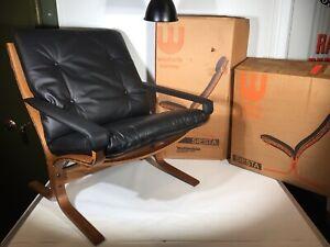Vintage NOS Westnofa Siesta Teak & Black Leather w/ Arms Lounge Chair New in Box