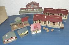 7 tlg. Gebäude Konvolut Kibri, Faller..: Bahnhof, Güterhalle, Mühle, Gasthof..H0