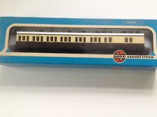 SET OF 2 Vintage AIRFIX CLASS 'B' G.W.R. SUBURBAN BRAKE COACHES NEW AND BOXED.