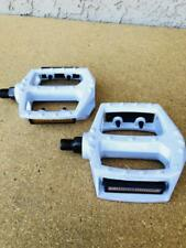 """WHITE 9/16"""" ALLOY BICYCLE PEDALS BMX BIKE BEACH CRUISER MTB ROAD BICYCLES"""
