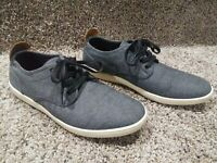 Steve Madden Men's size 9 Low Top Grey Casual Athletic Shoes Nice ( FREE S&H )
