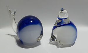 ANTIQUES : SET OF THREE GLASS PAPER WEIGHTS. SEAL, WHALE & SHAPE. (CJ)