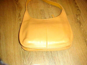 Ladies Genuine Coach Shoulder Bag