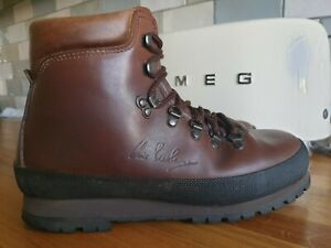 MEN'S BRASHER WALKING BOOTS - SIZE 8 - EU 42 - MADE IN ITALY.