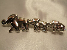 Chain of Elephants Brooch 14Br032 Funky Cool Design Shiny Silvertone Graduated