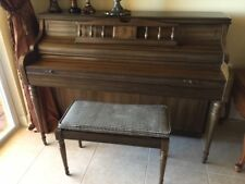 KIMBALL EXCELLENT CONDITION UPRIGHT WALNUT CONSOLE PIANO & BENCH