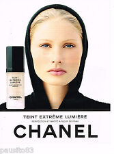 PUBLICITE ADVERTISING 065  1997  CHANEL  cosmétiques TEINT EXTREME LUMIERE