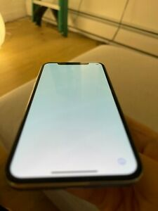 Apple iPhone X - 256GB - White  (Unlocked) A1901 (GSM)