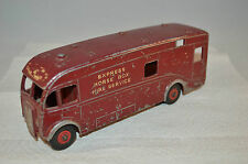 Dinky Toys 581 Horse box in all original condition