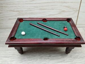 Doll House Detailed Pool Table with Balls and Cues 1:12 Scale