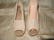 TOMS Women's Tan Fabric Cork Wedge Peep Toe Sandals Heels Shoes Platform Sz 9.5