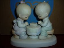 "Precious Moments, Figures Statuette Ceramics ""Prayer Changes Things"" $35"