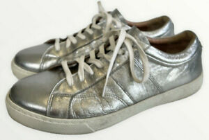 HUGO BOSS SIlver leather low cut trainers. Leather lined. EUC 39