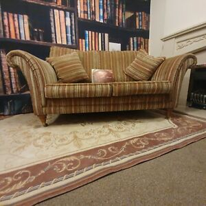 PARKER KNOLL BURGHLEY 2 SEATER SOFA IN BASLOW STRIPE GOLD RRP £1450