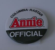 Vintage Annie Oficial 1982 Columbia-Rastar Pin Backed Button 3 Inch