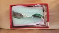 WOMENS GIRLS MINT GREEN EYELET TENNIS SHOES SIZE 2 AMERICAN EAGLE