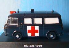 FIAT 238 AMBULANCE 1969 CARABINIERI DEAGOSTINI 1/43 MINIBUS VITRE AMBULANCIA