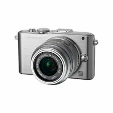 Near Mint! Olympus E-PL3 12.3MP with 14-42mm Silver - 1 year warranty