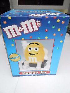 NRFB Benjamin Medwin 2000 Yellow M&M w/black base Cookie Jar (S14)