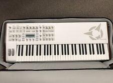 Access Virus TI2 Whiteout 61-Key Keyboard Synthesizer,Original Gig Bag EX *READ*