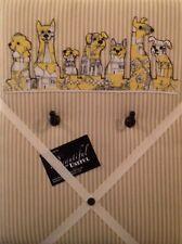 Perros Con Apliques En Tic Tac cubierto de tela-Clave Colgador/Memo Board