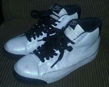 Vintage RARE HOLOGRAPHIC PEARL Shine Nike White-Black Shoes 8.5 US NICE!