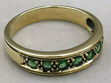 R077- Genuine 9ct SOLID Yellow Gold NATURAL EMERALD Wedding Band Ring size M
