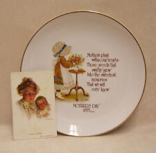HOLLY HOBBIE PORCELAIN MOTHERS DAY PLATE 1975 & CARD