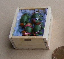 1:12 Scale 4 Loose Crabs In A Wooden Crate With Ice Tumdee Dolls House Miniature