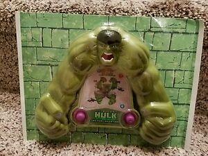 Vintage The Incredible Hulk Two Pump Water Rings Game New Sealed j77
