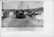 Jeep Crosses Pontoon Bridge Over Imjin River 1951 Korea War Press Photo