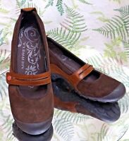 MERRELL MARY JANES BROWN LEATHER LOAFERS SLIP ONS WALKING WORK SHOES WOMENS SZ 8