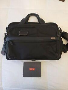 Tumi Alpha 2 15 inch Laptop Briefcase - Black