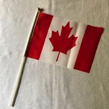 Drapeau Canada  / 15cm X 20 cm / Les 12 / Livraison gratuite