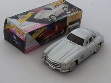 TIN PLATE FRICTION DRIVE 1956 MERCEDES SEDAN - 1:18 SCALE - BOXED