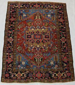 Beautiful old antique decorative Heriz rug 6,3x4,8 ft
