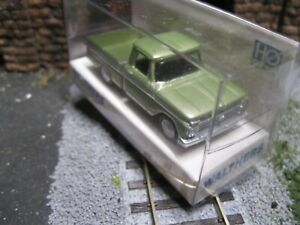 Walthers 1:87 HO Scale 1966 Ford F-100 Pickup green Rare RTR BUILT