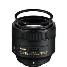 Nikon AF-S NIKKOR 85mm f/1.8G Lens w/67mm UV Filter