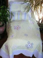 """Pottery Barn Kids /""""Scalloped Edge Flowers/"""" Standard Quilted Sham"""