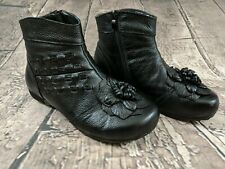 Black Leather Ankle Boot Flowers Sz 8.5 W Zipper EUC AR8035 Euro Sz 40