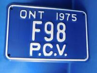 ONTARIO LICENSE PLATE 1975 PCV PUBLIC VEHICLE F 98 CANADA SHOP GARAGE SIGN