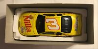 2002 ACTION  #8 DALE EARNHARDT,JR .- NILLA WAFERS / NUTTER BUTTER 1:24TH   #3074