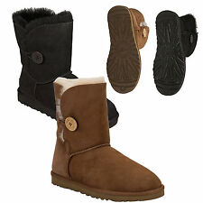UGG Australia Flat (less than 0.5') Pull On Shoes for Women