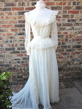 BEAUTIFUL CREATIONS BY ARIA VINTAGE LACE WEDDING DRESS OFF WHITE/CREAM  SIZE 7/8