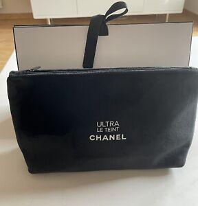 Chanel magnifique trousse en velours